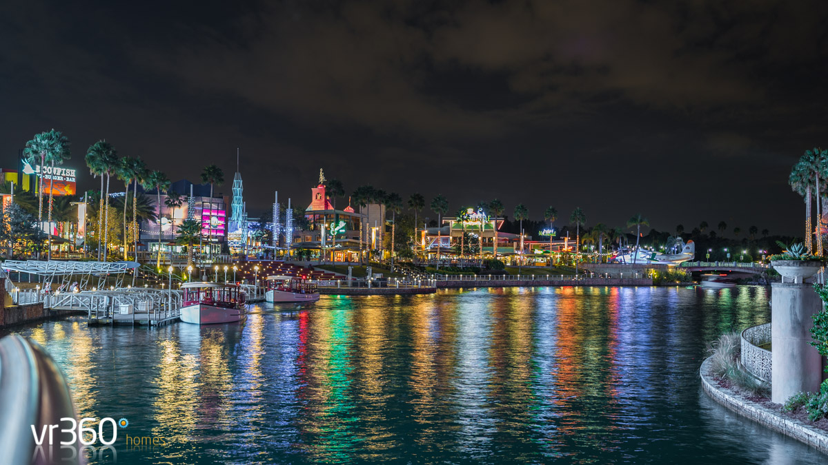 Universal CityWalk Orlando Down by the lake