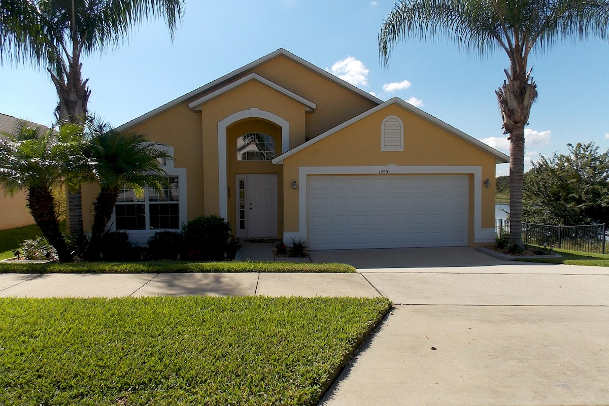 Southern dunes villa 4 bed 3 bath florida pool home for Southern homes florida