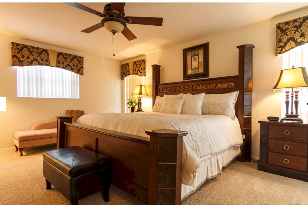 Maywood house luxurious 5 bed 4 bath orlando villa on the manor Master bedroom upstairs or downstairs
