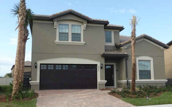 Modern 8 bed 6 bathroom villa in Windsor at Westside