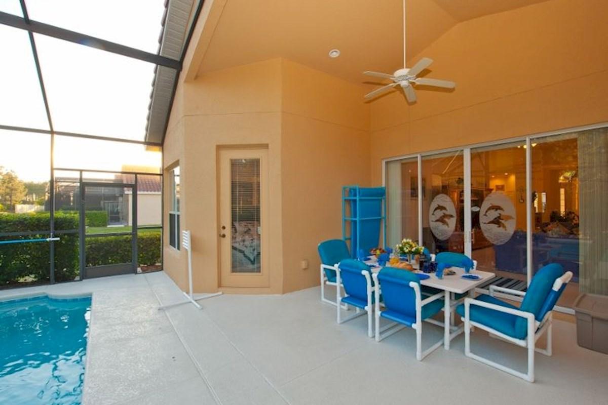 Tuscan Hills Executive Spacious Luxury 5 Bed 4 Bath Villa