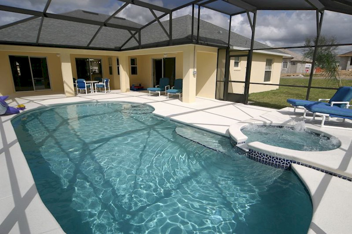 Screened,Heated Pool & Spa with Extended Decking
