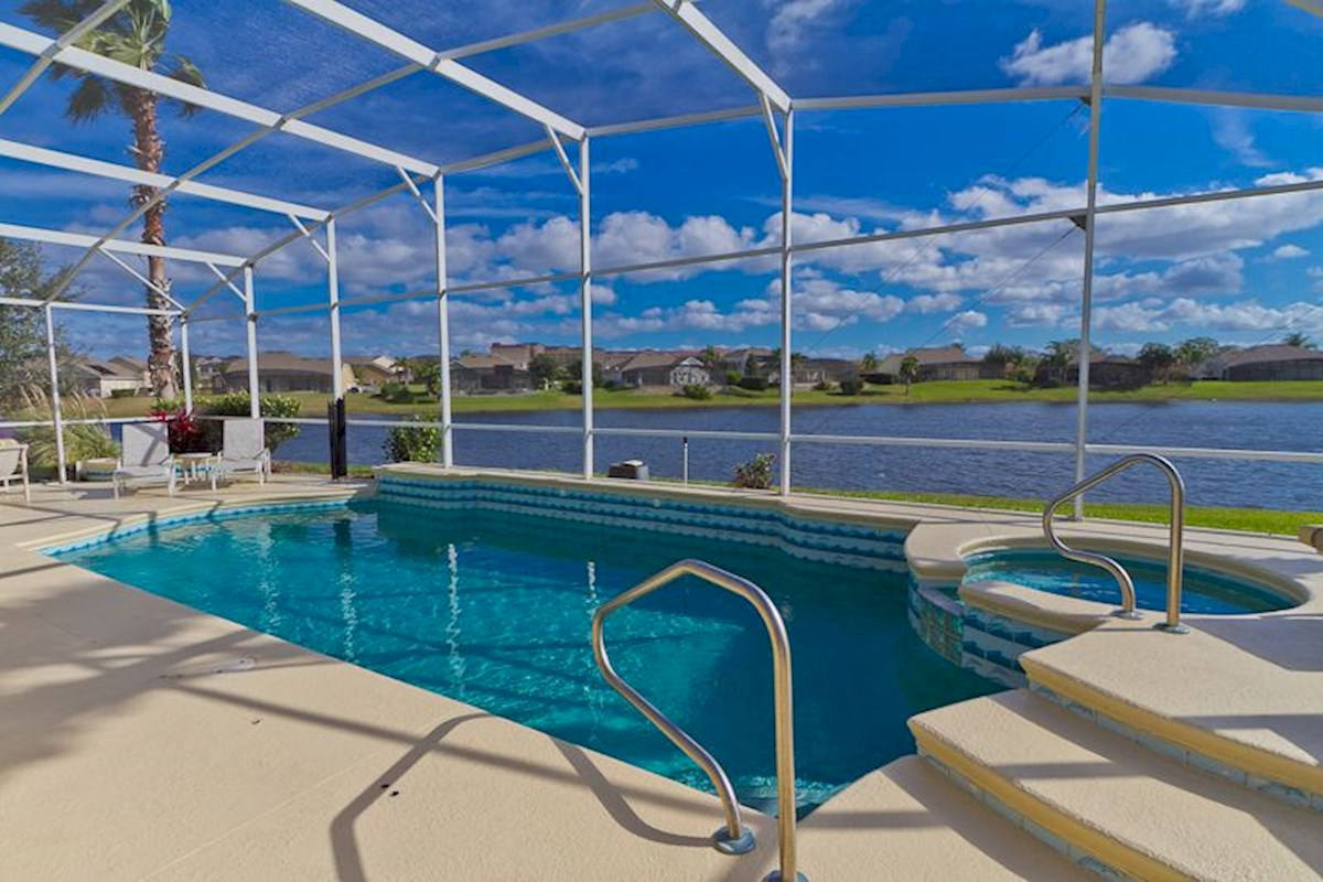 Large Formosa Gardens Pool with Lake View