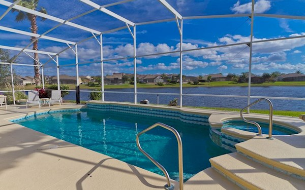 Formosa Gardens Executive Lakefront 4 Bed 3 Bath Orlando Villa