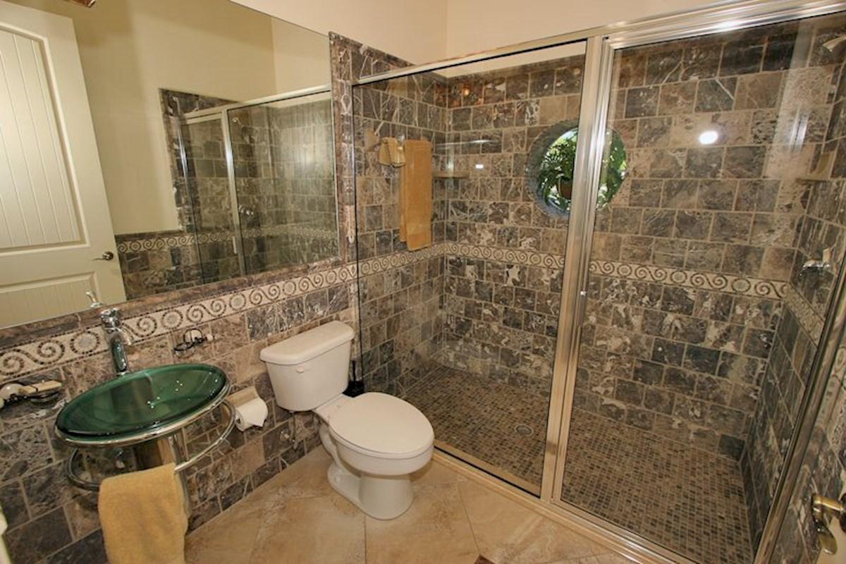 Formosa Gardens 8 bedroom, 8 Bathroom Lakeside Villa