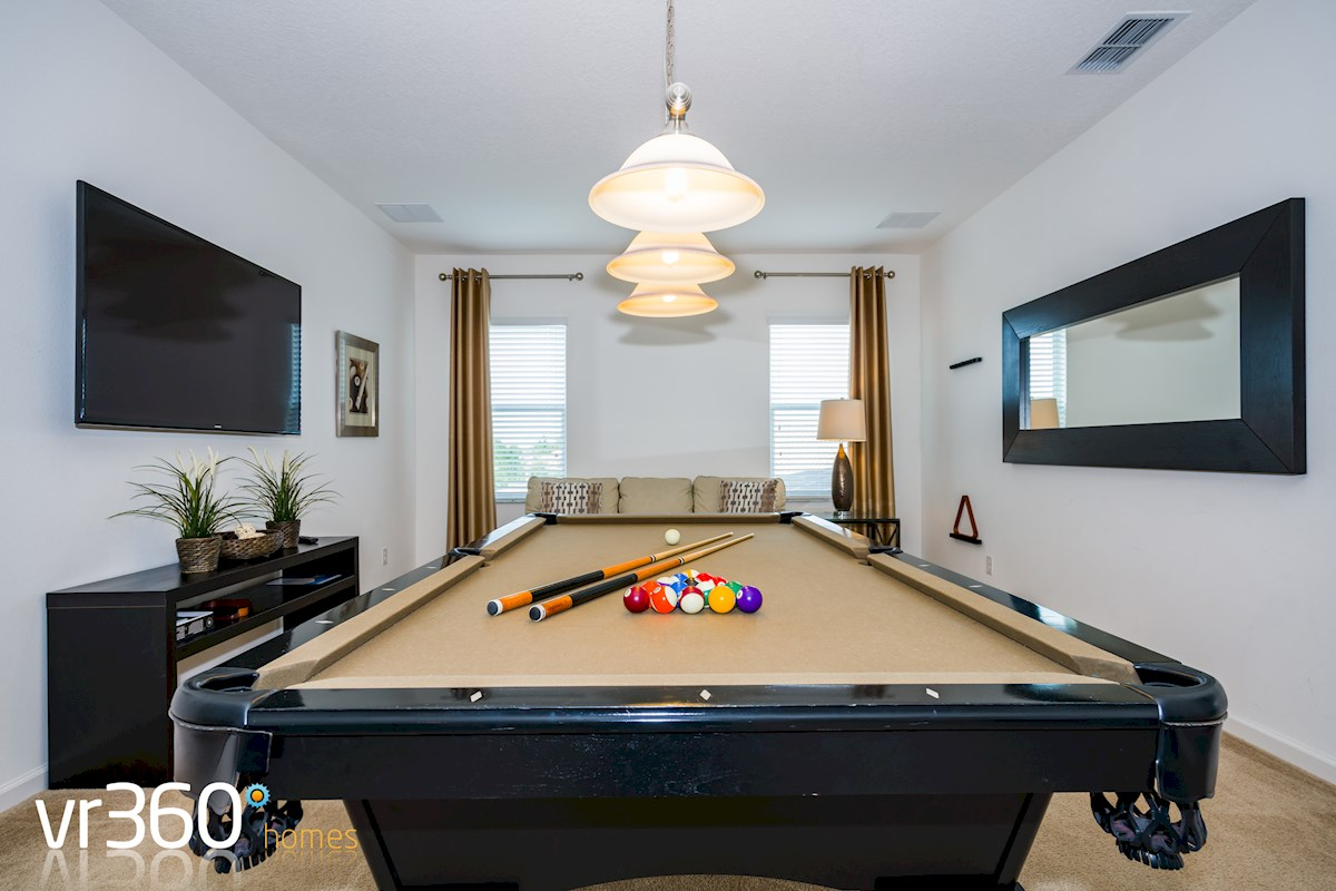Solterra Resort HUGE Bed Bath Villa With Internal Pool Table - Huge pool table