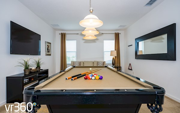 Solterra Resort HUGE 6 Bed 5 Bath Villa with Internal Pool Table!