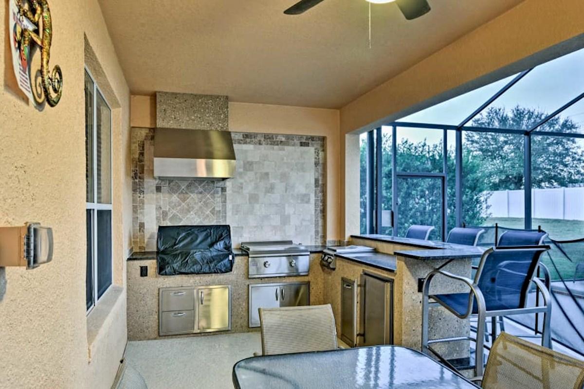 Stunning Solana Villa, 6 Bdroom 6 Bath, Outdoor Kitchen w/ 65\