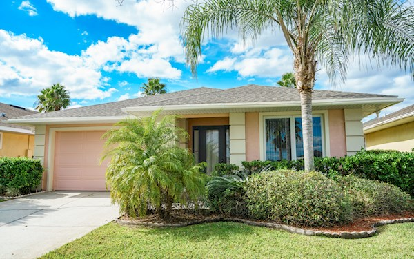 4 Bedroom 3 Bath Florida Villa on Sunset Lakes