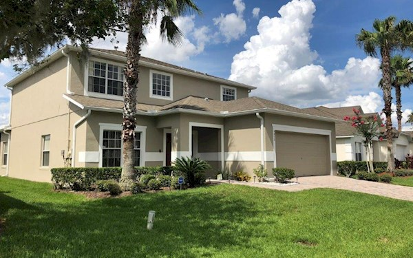 5 Bed, 3.5 Bath Executive Home close to Disney & Universal