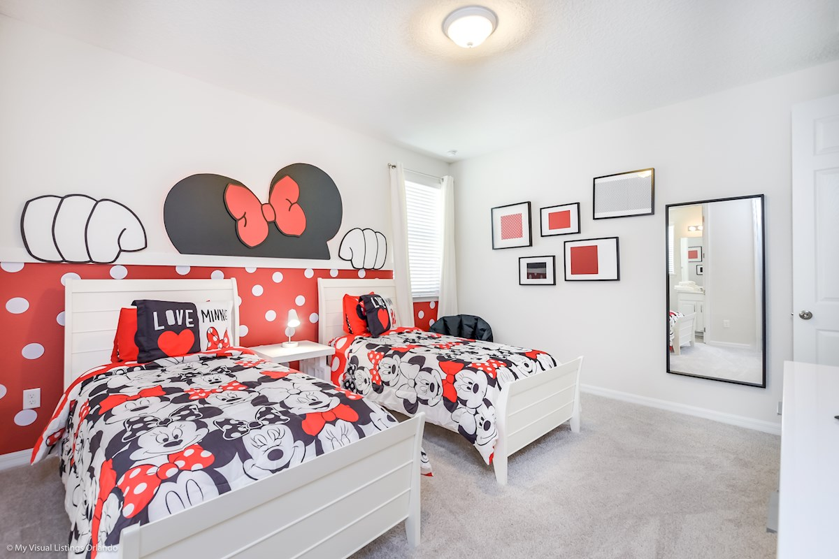 Minnie Themed bedroom