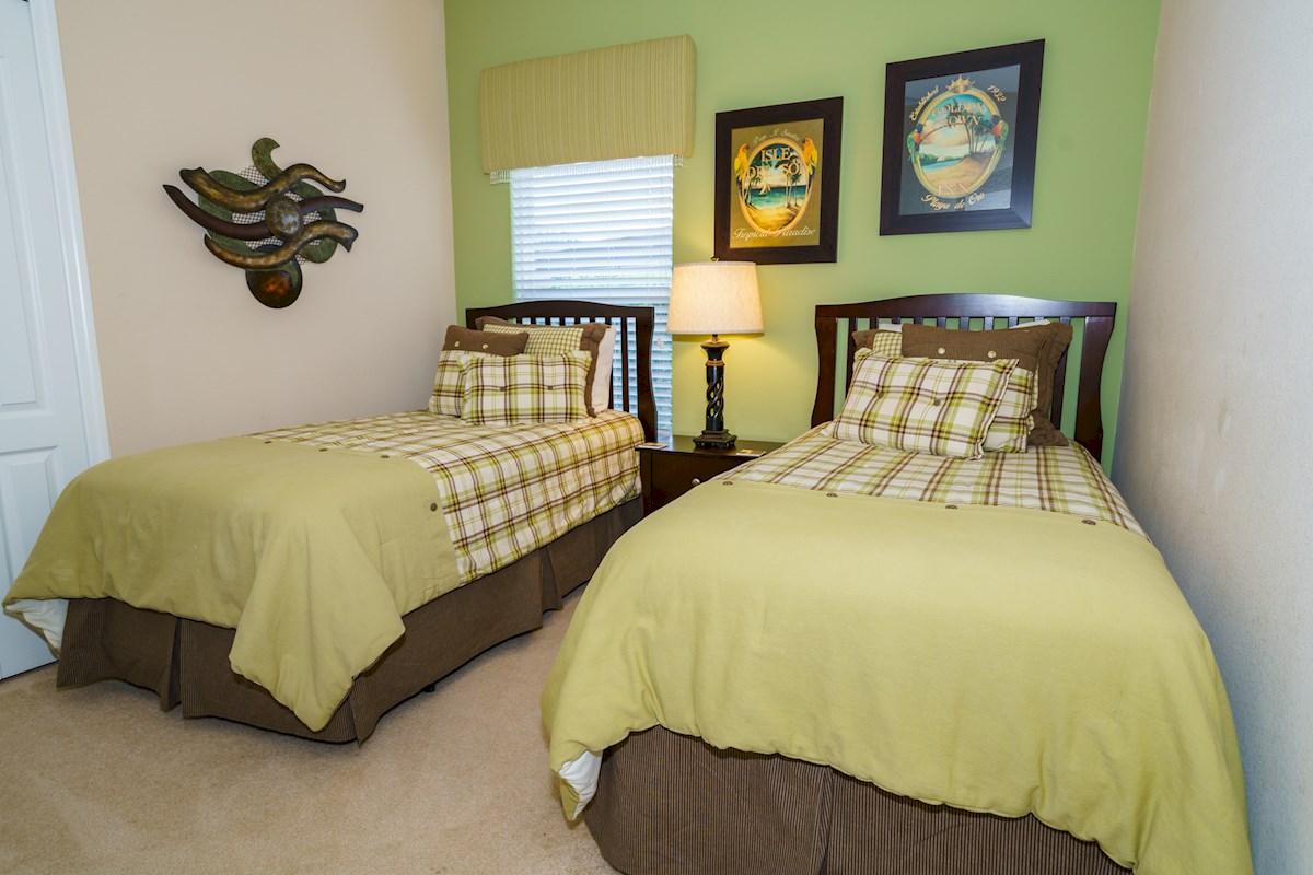 2 Bedroom Suites In Orlando Near Disney The Shire At West Haven 4 Bedroom 3 Bath Orlando Villa